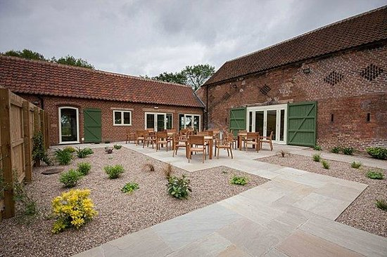 The Pheasantry Brewery, Weddings and Events: Courtyard seating
