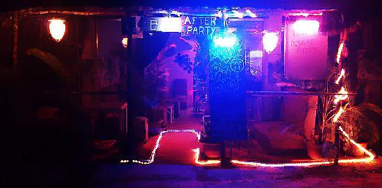 Pink Bar: getlstd_property_photo