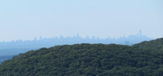 Bear Mountain Inn : The NYC Skyline from the peak of Bear Mountain and Perkins Memorial Tower