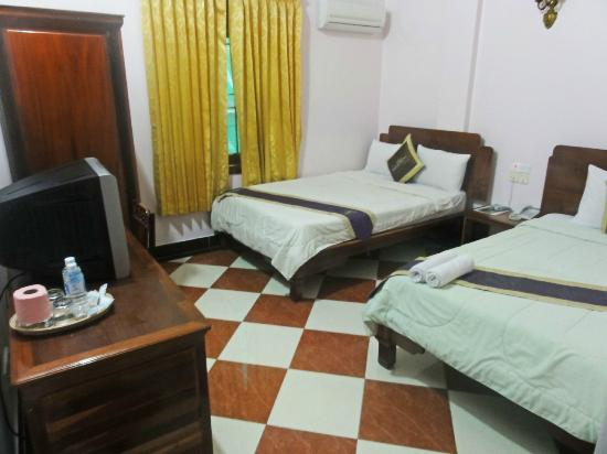 Nawin Guesthouse: Bedroom