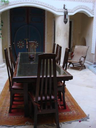 Riad Lorsya: Dining area