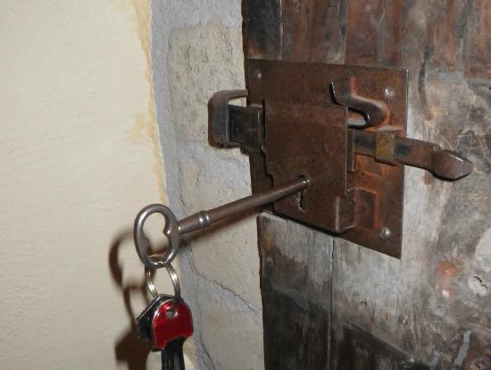 Hotel della Fortezza: our door key