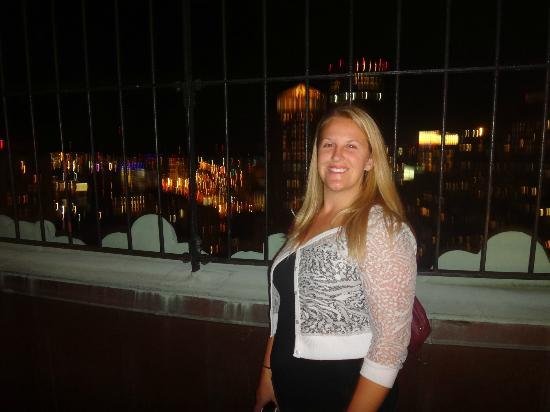 Marriott Vacation Club Pulse at Custom House, Boston: My Niece Emma at the Observation Deck after dinner on Long Wharf