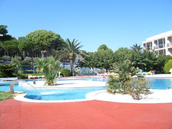 Can Miquel: Pool area