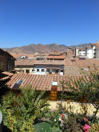 Amaru Hostal: The view from the top courtyard.