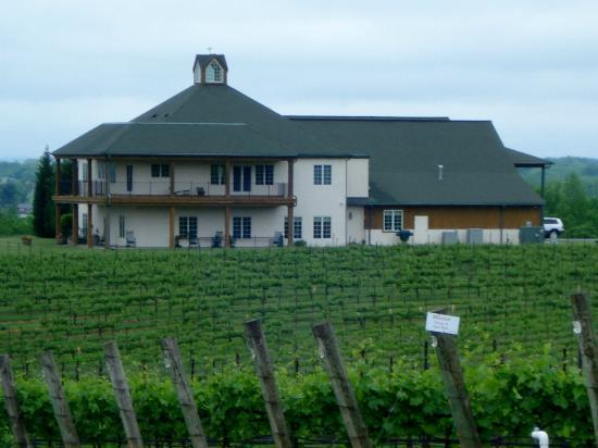 RayLen Vineyards: RayLen Tasting House
