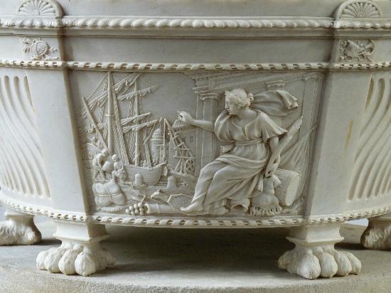 St Nicholas' Chapel: Marble monument