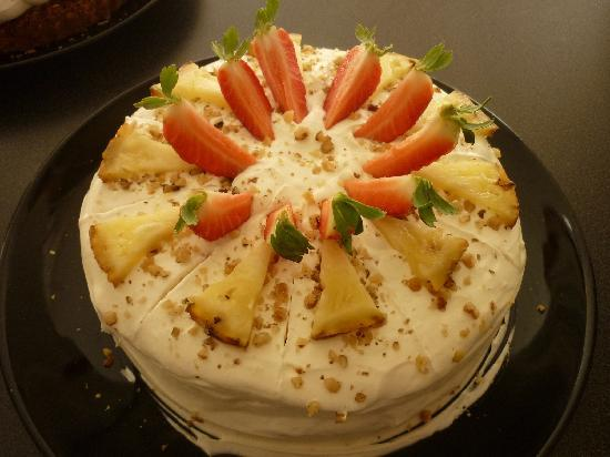 Cafe Cake : Hummingbird cake