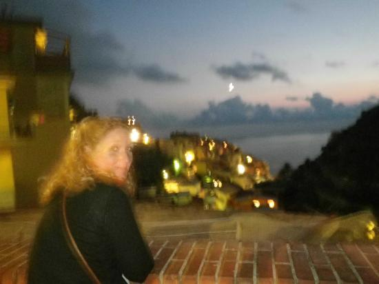 Aria di Mare : Manarola at night