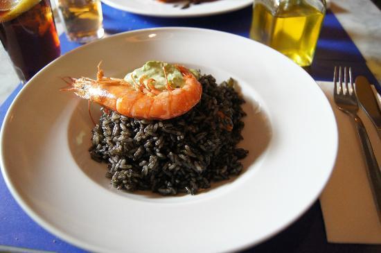 Iposa: Delicious arroz negro