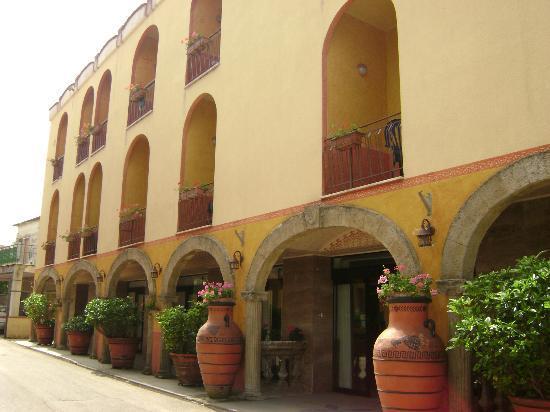 Hotel Poseidonia Mare: INGRESSO HOTEL