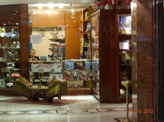 Akgun Istanbul Hotel: gift shop