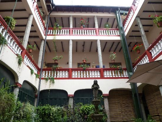 Hostal Quito Cultural: Interior View from the Courtyard