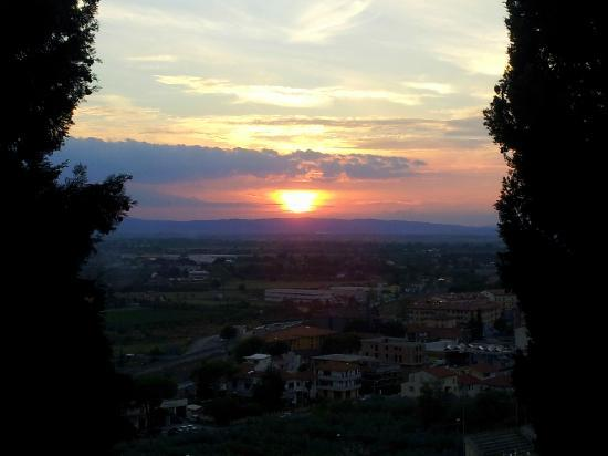 Sunset from patio: Residence Le Santucce