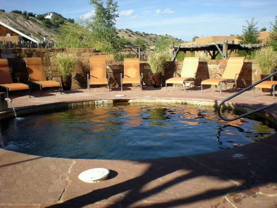 Ojo Caliente Mineral Springs Resort and Spa: Kiva Pool