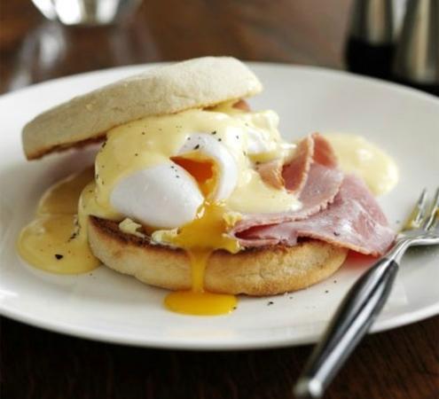 Kensington Guest House: Eggs Benadict