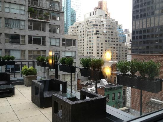 Carvi Hotel New York: Patio outside my room