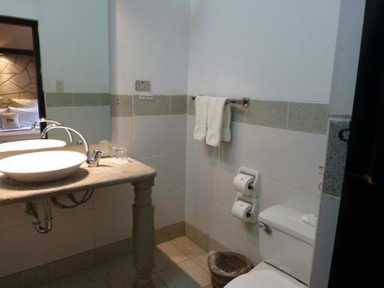 Sonesta Posadas del Inca Yucay: bathroom