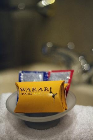 Hotel Warari: Baño