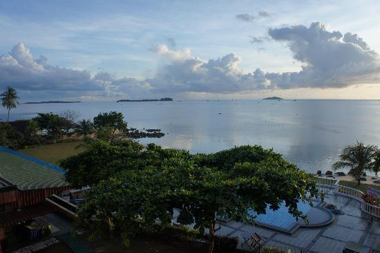 Bintan Agro Beach Resort: Pool and sea view from our room
