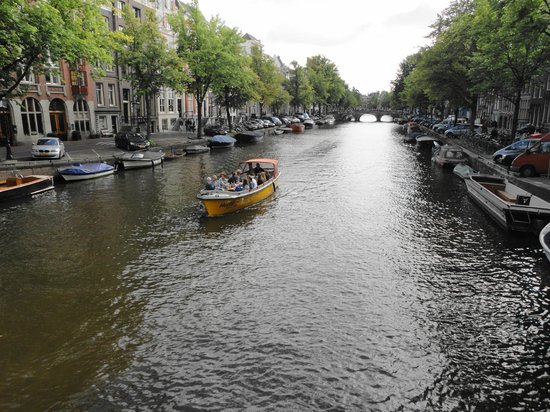 Boom Chicago: Amsterdam canal scene