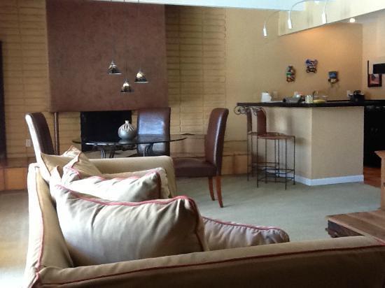 The Hacienda at Warm Sands: Spacious suites