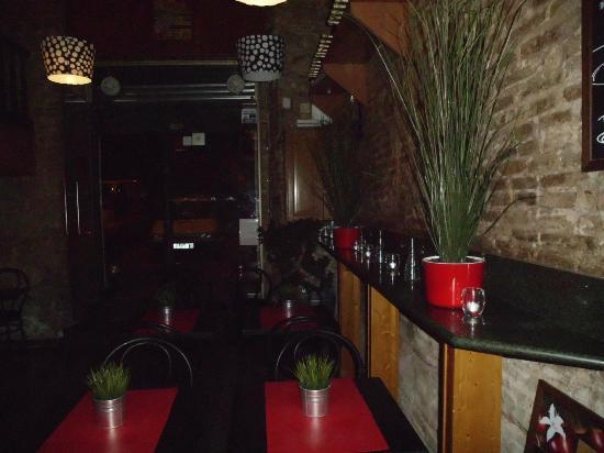 Bar Santa Fe: Nice place to eat and drink.