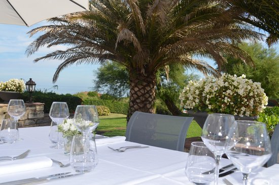 Restaurant Ilura : Repas en famille à l'exterieur