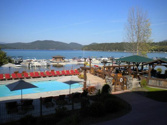 Boat Club Lounge & Restaurant: View from one of the dining areas