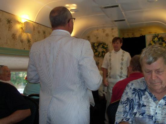 Seminole Gulf Railway Murder Mystery Dinner Train : Non-Intrusive Performance