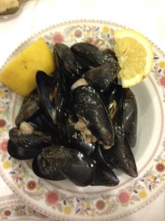 Da Don Antonio Pozzuoli: Excellent mussels