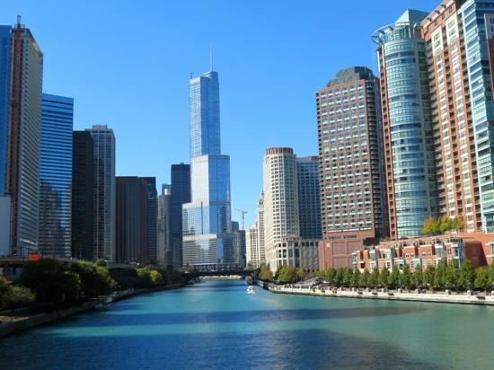 Villa D'Citta: Chicago river downtown