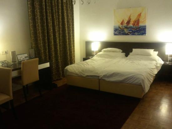 Josefstadt Appartements: Bedroom view 1