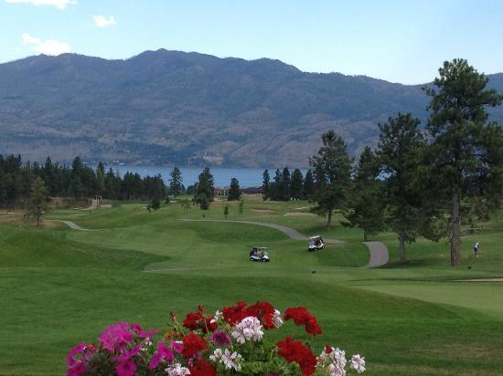 19 Okanagan Grill + Bar at Two Eagles Golf Course 사진