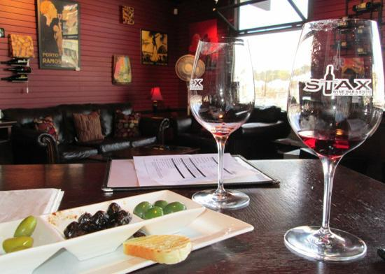 STAX Wine Bar & Bistro: Gourmet Imported Olive Plate