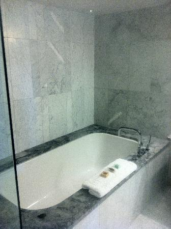 The James Hotel: Marble surrounding the jet tub