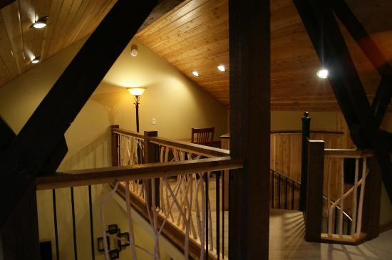 Cavanaugh's: Loft in condo