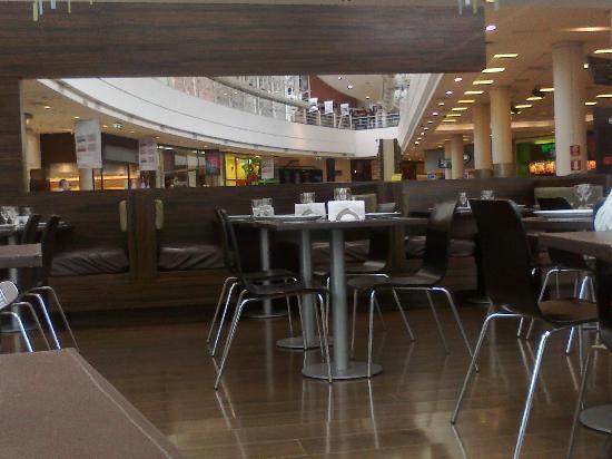 Olivo: Vista desde el restaurant hacia el Shopping
