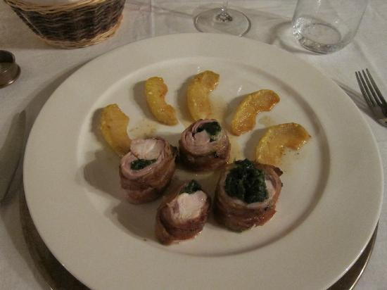 Palazzo Brandano: Rabbit shoulder and apple