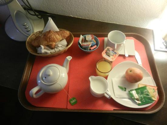 Tor Hotel Geneve: Breakfast