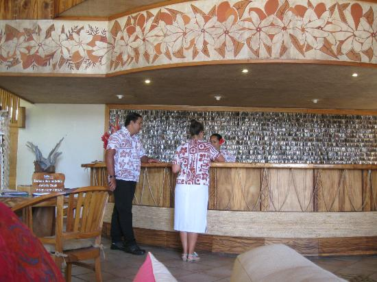 Bora Bora Pearl Beach Resort & Spa: The reception area