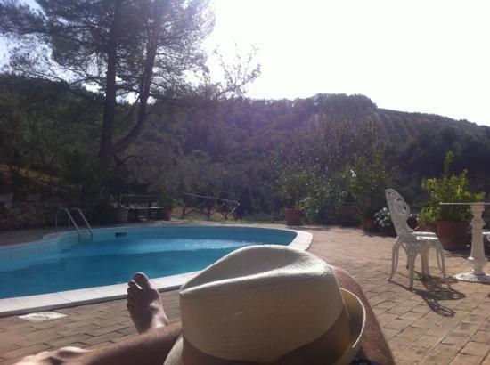 Eremo delle fate: una delle due meravigliose piscine, il panorama è semplicemente mozzafiato!