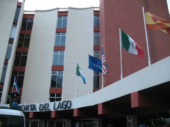 Porta Hotel Del Lago: Street view