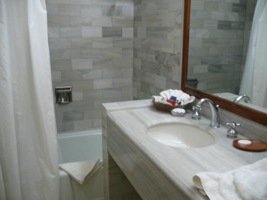 Porta Hotel Del Lago: Bathroom