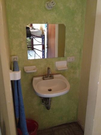 Hostal Santo Domingo: the wash basin in the dorm