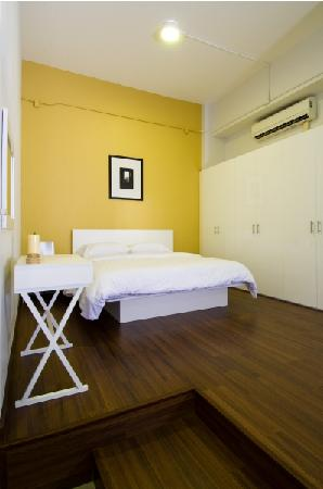 T Series Place Serviced Apartment : 212 Service Apartment