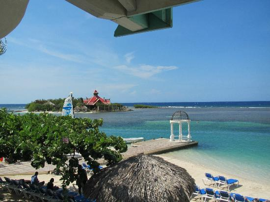Sandals Royal Caribbean Resort and Private Island: Windsor Building Room 7205