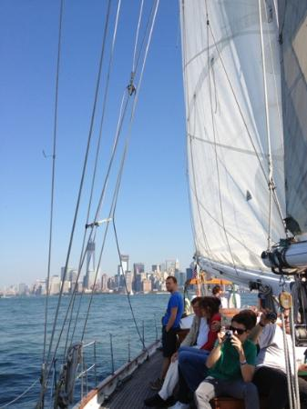 Manhattan by Sail - Shearwater Classic Schooner : Great sail on the Hudson