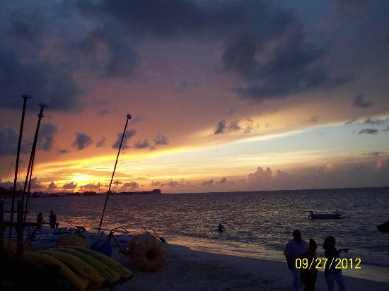 Sandals Royal Bahamian Spa Resort & Offshore Island: sunset from the beach