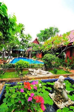 Ruenkanok Thai House
